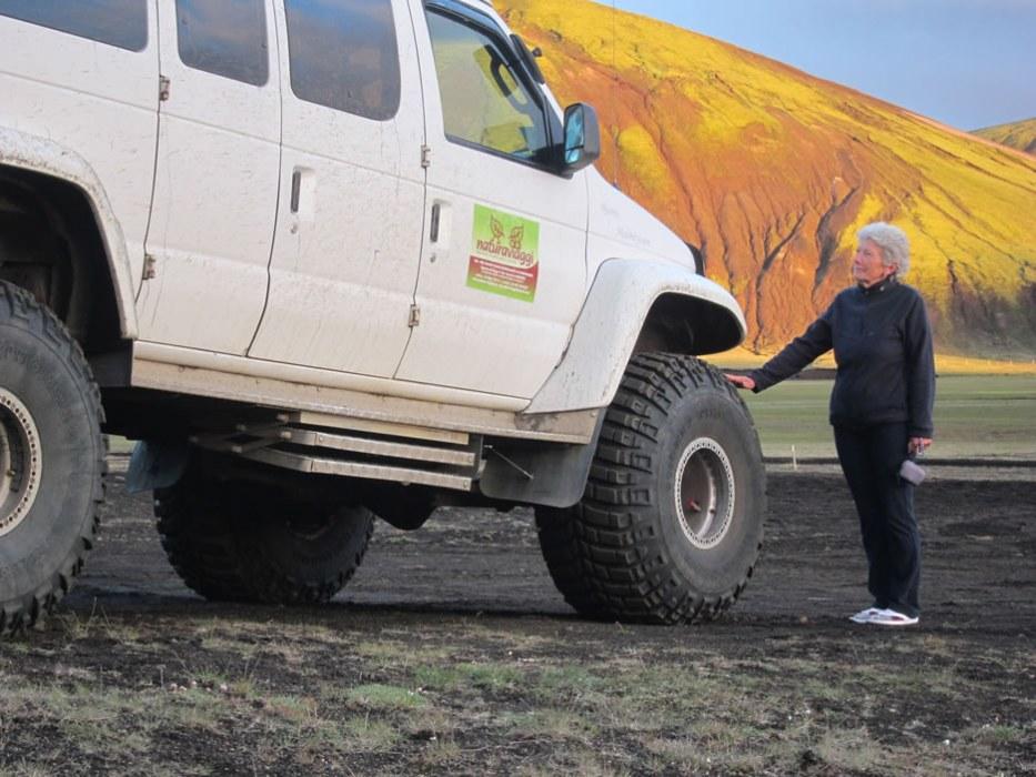 jeep modificata per viaggi in Islanda