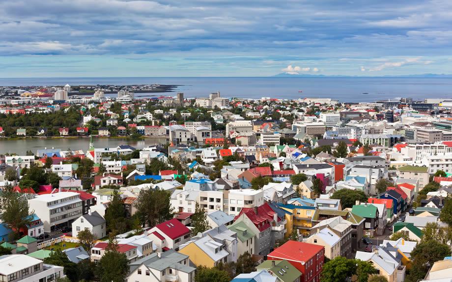 Vista della capitale Reykjavik