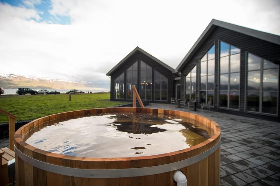 bjorbodin beer spa in islanda - centro termale per bagni con la birra