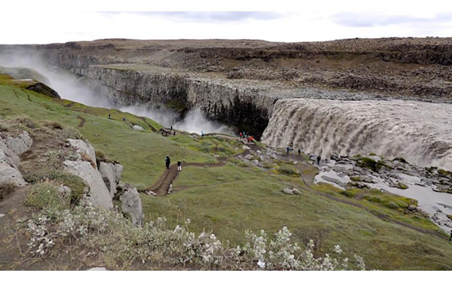 cascata di Dettifoss vista dal lontano