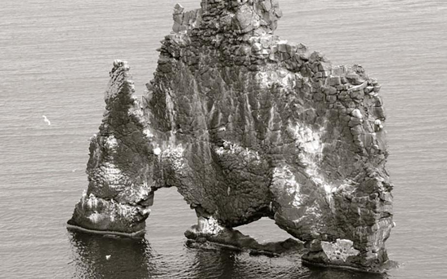 Faraglione di Hindisvik nella penisola di Vatnsnes - f.to by Marco C.