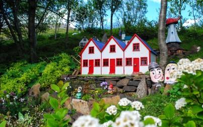 casa degli elfi di Petra in Islanda