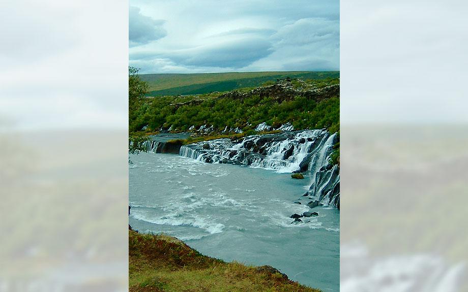 cascata di Hraunfossar