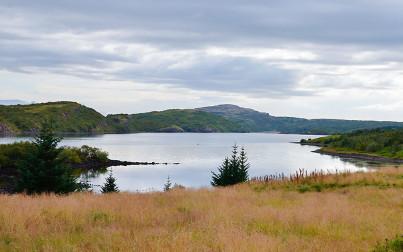 il-lago-hredavatn-paradisarlaut-e-la-cascata-glanni