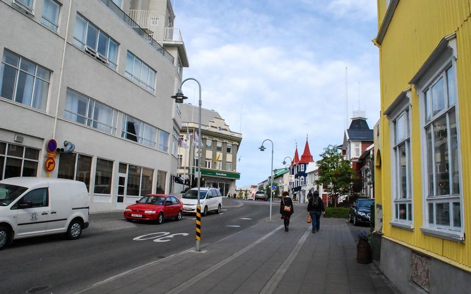 in macchina ad Akureyri