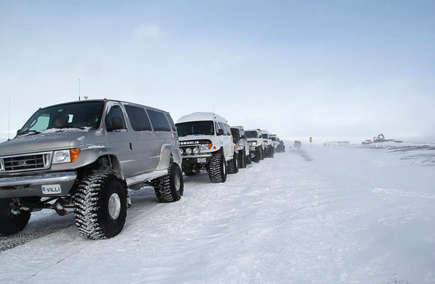 jeep nella neve