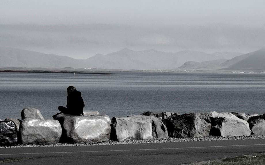 Un momento di riflessione a Reykjavík.