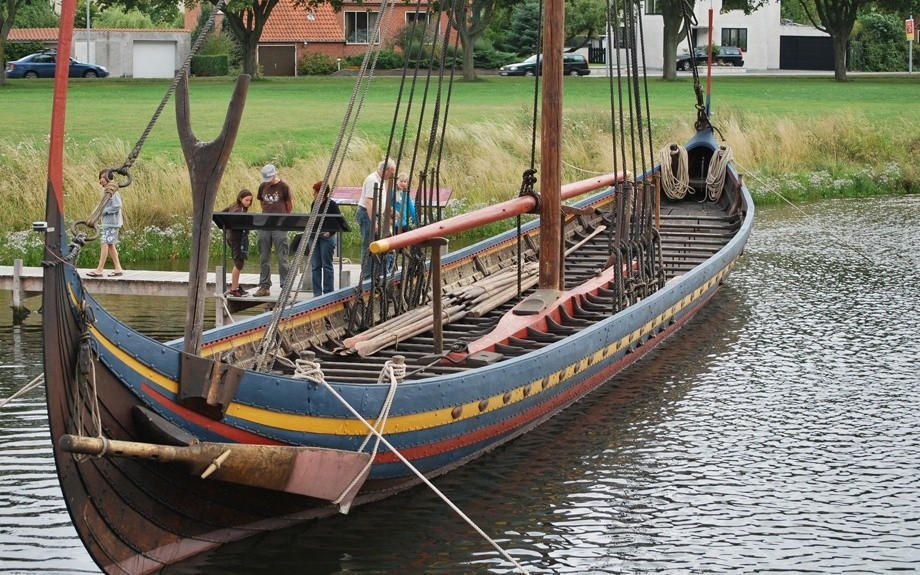 ricostruzione di una nave vikinga