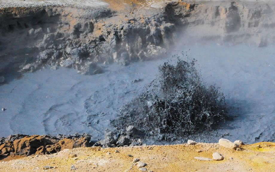 roccia fusa bollente