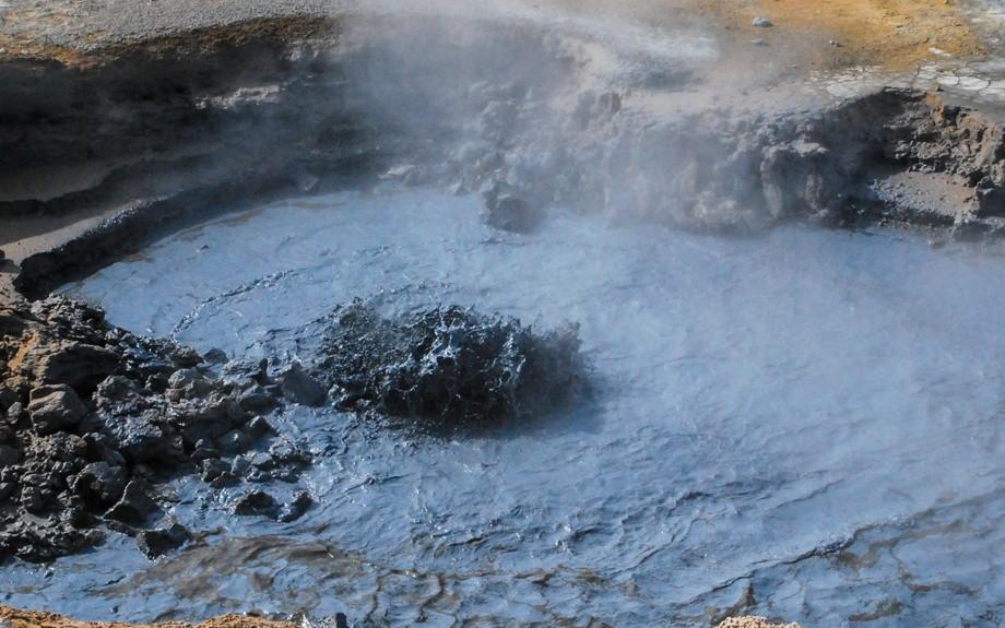 roccia fusa in ebollizione a Namaskard