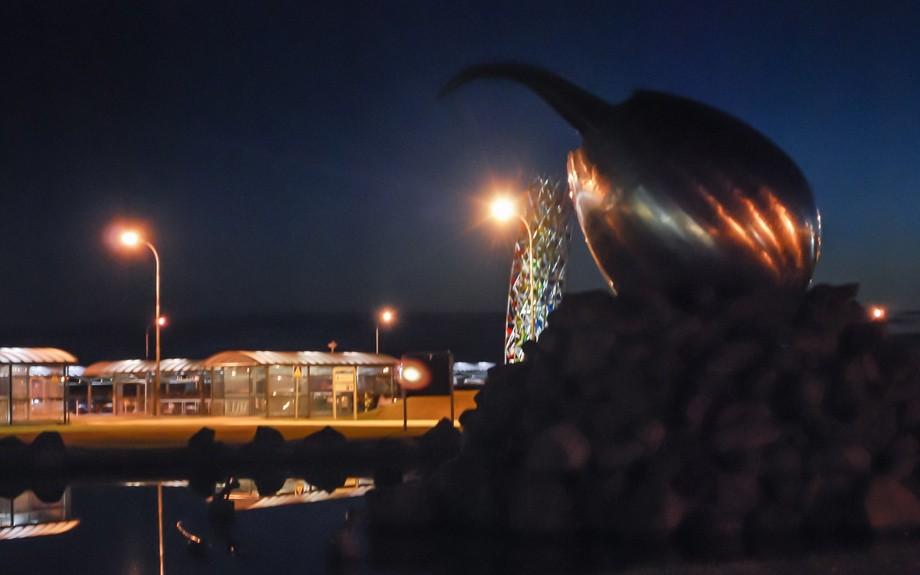 scultura uovo a Keflavik