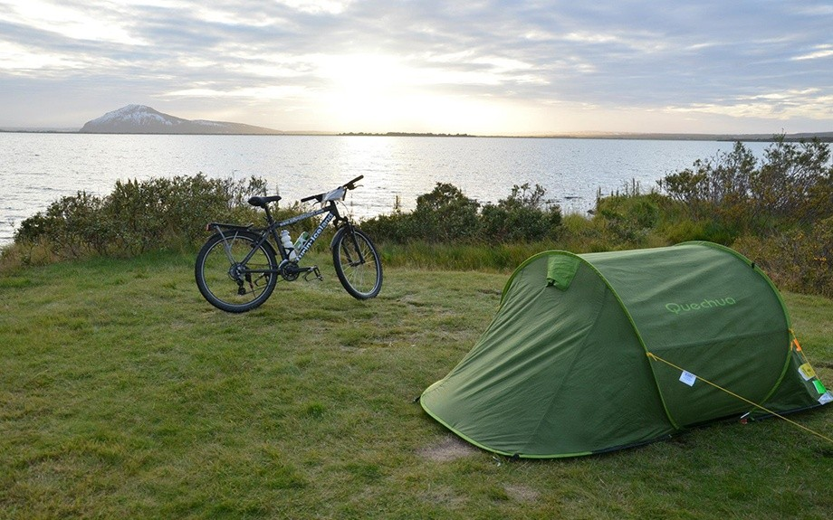 tenda e bici in Islanda